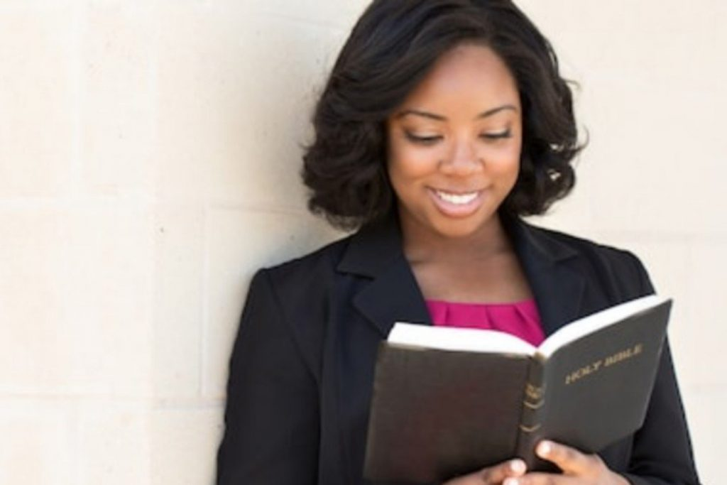 10 Bible Verses for for expectant mothers