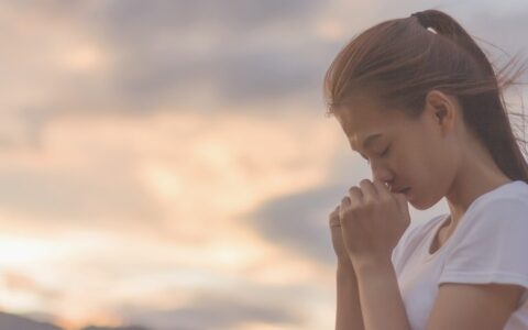 How to open your heart to God in prayer